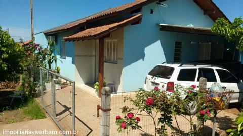 Casa Residencial em Portão no Bairro Parque das Hortências